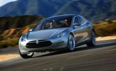 Tesla представила бюджетный вариант Model S