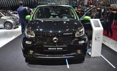 Smart в Париже - автомобили для городов будущего