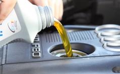 Правила замены моторного масла в автомобиле